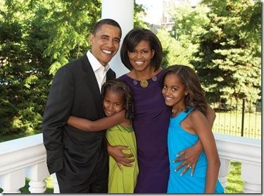 ObamaFamily-08-2008