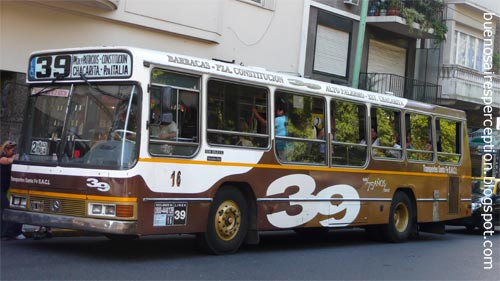 Colectivos in Buenos Aires, Argentina: Bus Line 39 goes from Chacarita to Barracas. This picture was taken in Palermo Viejo