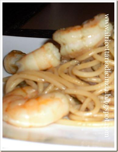 spaghetti radicchio e gamberi