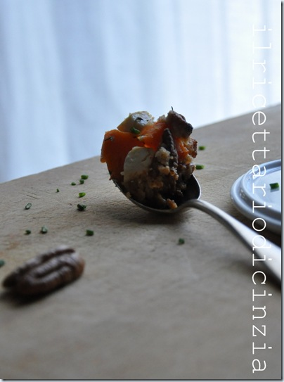 Crumble di patate dolci, feta e noci pecan