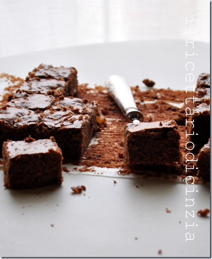 Brownies allo zenzero e panna acida