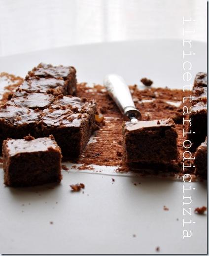 Brownies allo zenzero e panna acida