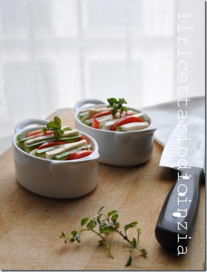 Cocotte pomodoro,mozzarella e zucchine al profumo di maggiorana
