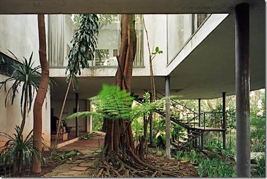 Casa de Valentina - Lina Bo Bardi - Casa de Vidro - interior