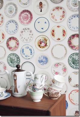 Casa de Valentina - via Hello Tiger - Studio Ditte - porcelain wallpaper 1