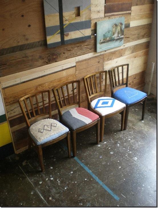 Casa de Valentina - via Mint Design - cadeiras com forros geométricos