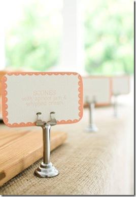 Casa de Valentina - via Brides Little White Book - um chá de bebe rústico em tons claros - etiquetas