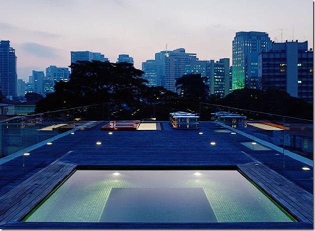 Cobertura. Casa projetada por Marcio Kogan e fotografada por Nelson Kon
