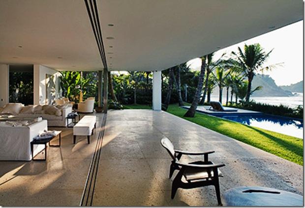 De frente para o mar. Casa projetada por Isay Weinfeld e fotografada por Nelson Kon