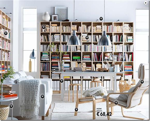 Outra sala da Ikea com prateleiras