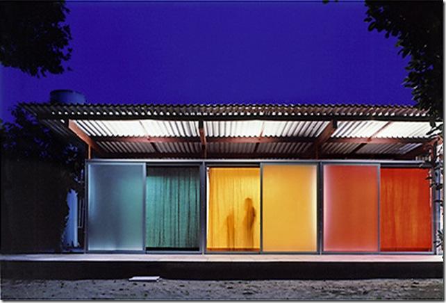Casa de praia na Barra do say. Casa projetada por Nitsche Associados e fotografada por Nelson Kon