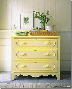 Pintura em amarelo claro e detalhes em amarelo forte by Sfgirbybay