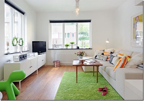 Sala de estar com tapete verde