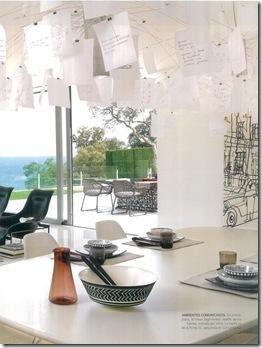 Casa de Valentina - sala de jantar com lustre Ingo Maurer