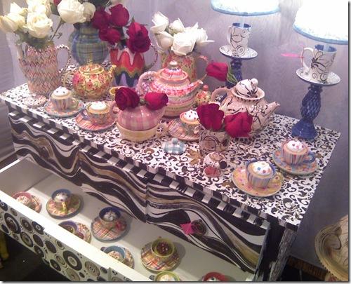 Casa de Valentina - Luana Davidsohn - cupcakes dentro das chícaras