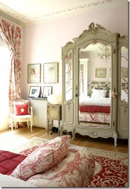Casa de Valentina - via ShootFactory - espelho antigo