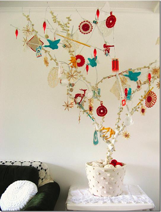 Casa de Valentina - galho de Natal - via Home Sweet Home