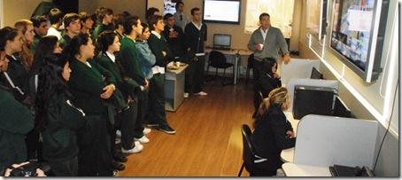 Roberto Ferreira - Alumnos de la Escuela Siglo XXI en Central de Videovigilancia