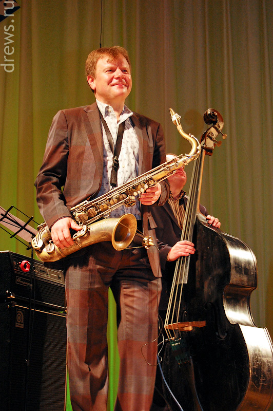 Игорь Бутман с саксофоном