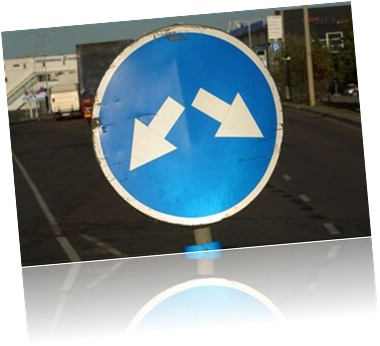 split arrows sign