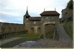 Chateau-de-Gruyeres-3