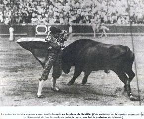 Belmonte novillero Sevilla 1912 Media verónica 001