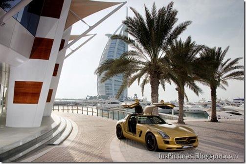 Mercedes-SLS-AMG-Desert-Gold-2