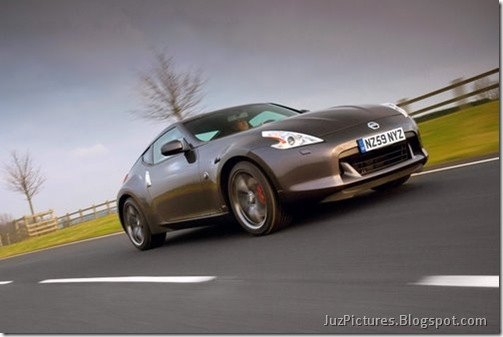 Nisan-370Z-Black-Edition-6