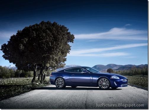 2011-Jaguar-XKR-Special-Edition-19