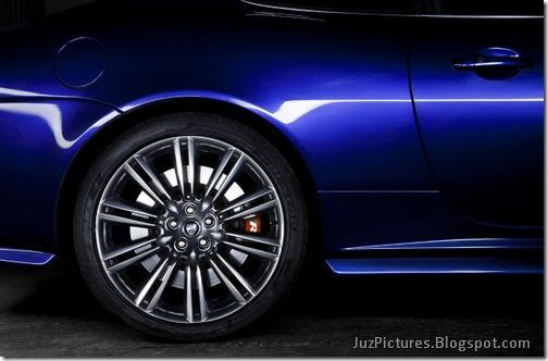2011-Jaguar-XKR-Special-Edition-23