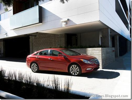 2011-Hyundai-Sonata-14