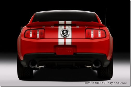 2011-Ford-Shelby-GT500-13
