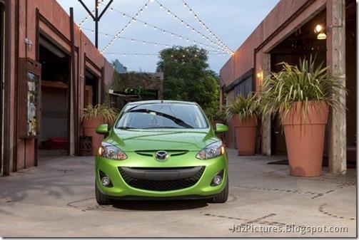 2011-Mazda2-3