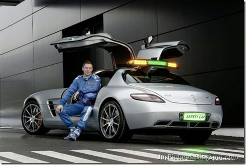 Mercedes-Benz-SLS-AMG-F1-Safety-Car-5