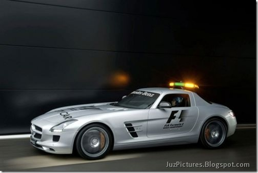 Mercedes-Benz-SLS-AMG-F1-Safety-Car-9