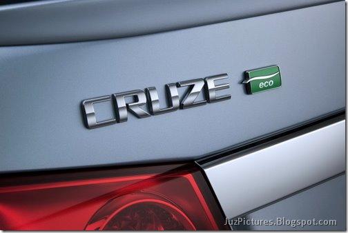 2011-Chevrolet-Cruze-ECO-48