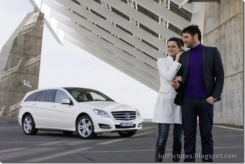 2011-Mercedes-R-Class-12