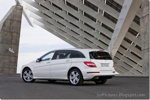 2011-Mercedes-R-Class-13