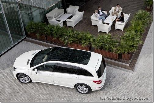 2011-Mercedes-R-Class-16