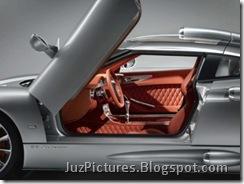 2009-spyker-c8-aileron-front-door-view
