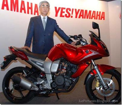 yamaha_fazer_president-red