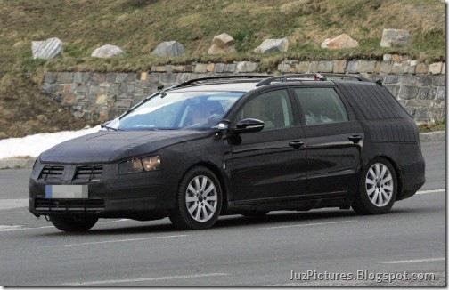 2012-VW-Passat-Variant-Kombi