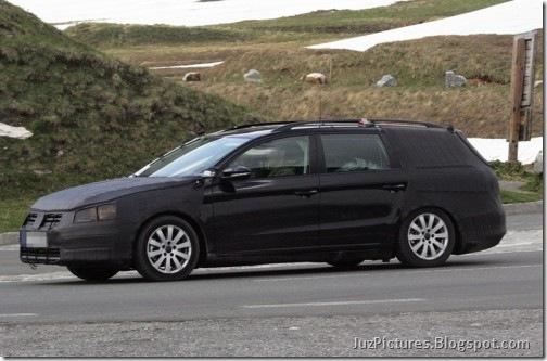 2012-VW-Passat-Variant-Kombi_1