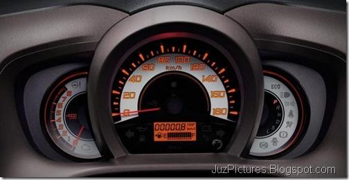 honda-brio-compact-interiors-3