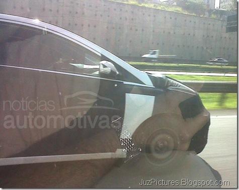 Hyundai-i15-HB-profile