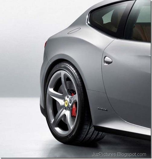 Ferrari-FF-4
