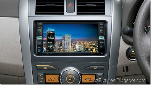 Toyota-Corolla-Altis-facelift-screen