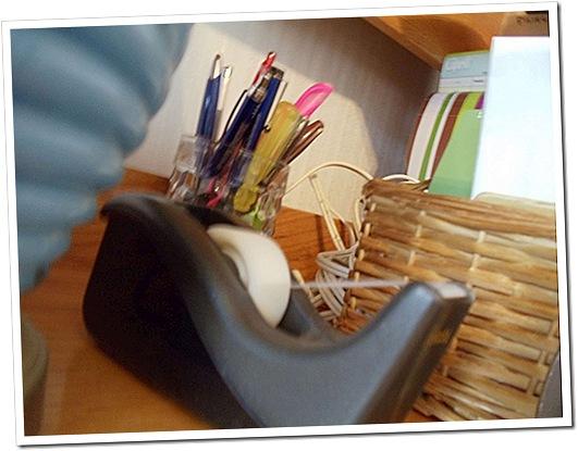 desk photo-3000