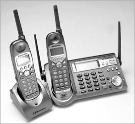 My techie self interconnecting cordless phones for instance until recently i had a phillips cordless home phone with 2 handsets i upgraded to a new panasonic cordless phone which came with two handsets sciox Choice Image