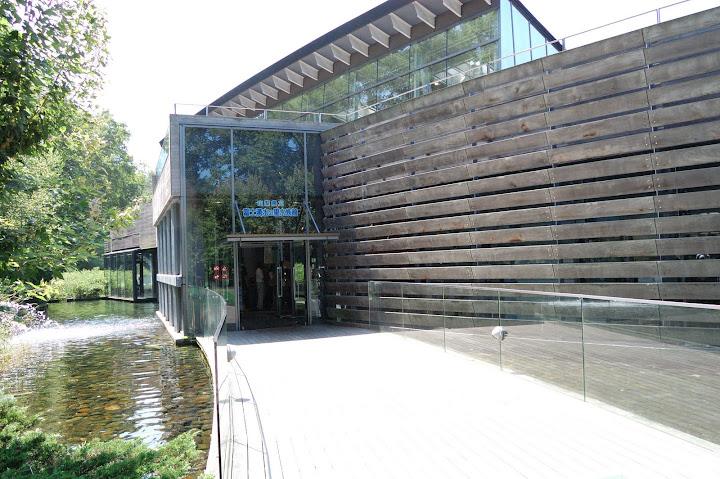 山梨県立富士湧水の里水族館の写真